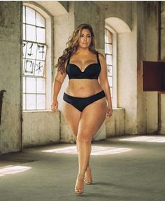 Women's Plus Size Curvy Girl Lingerie, Plus Size Lingerie, Moda Xl, Mode Plus, Plus Size Beauty, Natural Women, Curvy Models, Voluptuous Women, Bikini Fashion