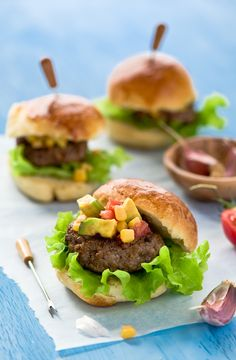 really yummy looking sliders, I think I might just have to try these out.