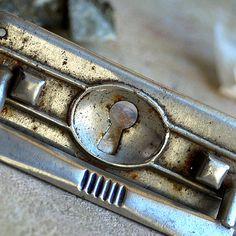 vintage  escutcheon...   key hole plate     Sept 04 by CoolVintage, $11.50
