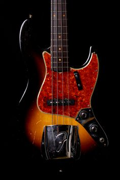 Fender 1960 Jazz Bass Stack Knob Sunburst. Real bargain for only 32.5K$!