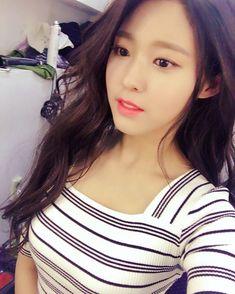 Like Beauty Life fo Keep Cover Kpop Girl Groups, Kpop Girls, Korean Beauty, Asian Beauty, Kim Seolhyun, Sexy Teens, Beautiful Asian Women, Ulzzang Girl, Asian Woman
