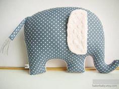 Декоративные подушки, фото. Слоники