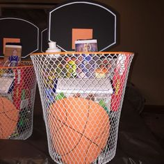 Basketball Basket, basket is the dollar tree , painted the rim orange , personalized candy came from Kentucky kandy kitchen , then filled it full of goodies Basketball Birthday Parties, Basketball Baby, Basketball Gifts, Basketball Coach, Sports Gifts, Softball Gifts, Cheerleading Gifts, Sports Party, Basketball Playoffs