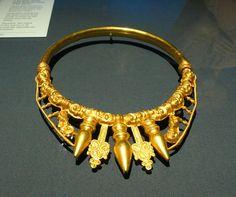 Celtic Torque , 400BC- Gold torque 2 - Glauberg - Wikipedia, the free encyclopedia