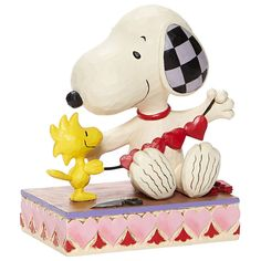 Disney Figurines, Collectible Figurines, Best Pal, Heart Garland, Charlie Brown And Snoopy, Small Moments, Snoopy And Woodstock, Peanuts Snoopy, Memorable Gifts