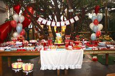 Mesas de festa infantil: veja como decorar a sua! Ideas to decorate the main table of your children party!