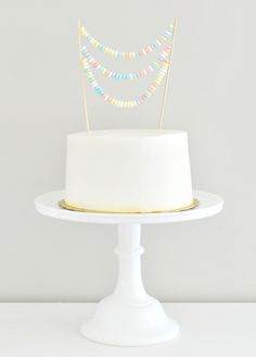 Roundup: 6 Store-Bought Cake Makeover Ideas » Curbly | DIY Design Community
