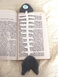 Marque-pages Poisson en coton au crochet : Marque-pages حياكة ganchillo crochet Marque-pages Au Crochet, Crochet Fish, Crochet Amigurumi, Crochet Books, Crochet Gifts, Free Crochet, Easy Crochet, Crochet Bookmark Pattern, Crochet Bookmarks