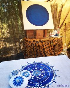 nieuw kleurpalet mandala schilderij Tessa Smits #dots #dotart #mandala #blue #spiritual #artistatwork