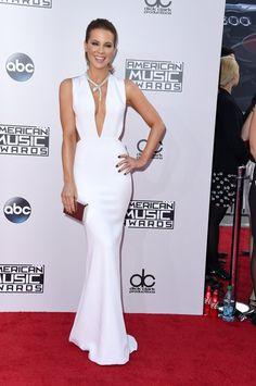 Pin for Later: Seht hier alle Stars auf dem roten Teppich bei den American Music Awards! Kate Beckinsale