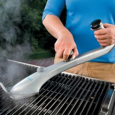 Steam Cleaning Grill Brush – the fast and easy way to thoroughly clean your grill.
