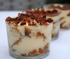 Tiramisú al Panettone Tasty Pastry, Dessert Cups, Parfait, Favorite Holiday, Biscotti, Food And Drink, Pudding, Sweets, Cooking