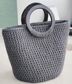 2019 March Crochet Bag Pattern Ideas - P - Diy Crafts - Marecipe Crochet Backpack, Crochet Tote, Crochet Handbags, Crochet Purses, Free Crochet, Crochet Shell Stitch, Crochet Stitches, Crochet Patterns, Bag Patterns