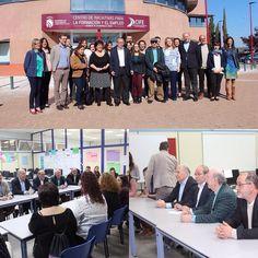 El alcalde @ManuelRoblesD se reúne con los vecinos que participan en la lanzadera de Empleo #Fuenlabrada junto a Peridis y @BarclaysEspana
