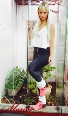 A Casa Marilu Calçados sempre tem novidades com lançamentos e coleções das melhores marcas! Aqui Anik Anselmo desfila as coleções de tênis da MIZUNO e TENNY WEE - especiais para academia, caminhadas, corridas, com um visual super esportivo com muito conforto, beleza e durabilidade!