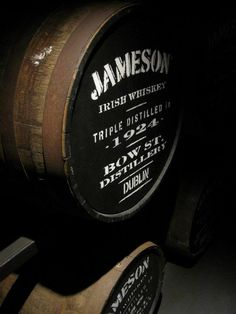 The amazing Jameson :) an absolute must in the bar. Irish Whiskey Brands, Jameson Irish Whiskey, Good Whiskey, Whiskey Girl, Scotch Whiskey, Fun Drinks, Alcoholic Drinks, Drinks Alcohol, Sour Cocktail