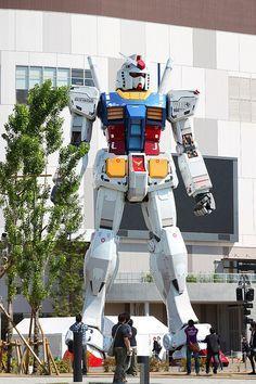 Gundam - EU QUERO UM ROBÔ GIGANTE.