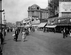 1924 Atlantic City Boardwalk Scene Old Shops & Ads Retro Snapshots