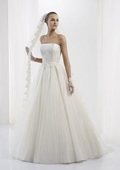 Collezione abiti da sposa #Jolies, abito da #sposa modello JOAB13025IV