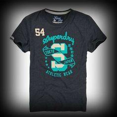 スーパードライ極度乾燥 メンズ Tシャツ Superdry極度乾燥 Super Simple T-shirt Tシャツ ★日本で販売されていない海外限定品!イギリスで爆発的に大人気ブランドSuperDry極度乾燥! ★Superdry極度乾燥のロゴプリントがインパクトがあります。