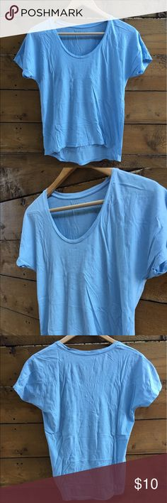 Short Sleeve T-Shirt 100% cotton U-Neck style t-shirt from Everlane. Relaxed fit with dropped neckline and dolman sleeves in a baby blue color. Extremely soft and flattering. Everlane Tops Tees - Short Sleeve