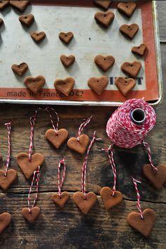 DIY Cinnamon Air Fresheners or gift ties! Love the smell of cinnamon!