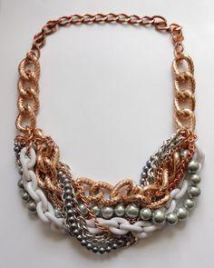 Cadena y perlas