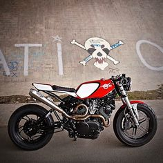 Yamaha Virago XV750 by Tomas Vom Hinterhof. Timo Le Mans Photography. (Via Inazuma Café Racer). - Instagram : caferacerturkiye