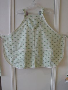 Bib Apron with Green Flowers 2036 by TheKraftyKats on Etsy (Home & Living, Kitchen & Dining, Linens, Aprons, aprons with flowers, green aprons, women's aprons, kitchen apron, accessories, Mother's day apron, apron with a pocket, gift apron, baking, housewares, bib apron, cute apron, full apron)