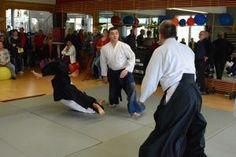 Aikido Vorführung (Embu) im Rahmen des Tags der Offenen Tür im FitFive in Walding 2013 - Saningake. Mehrere Angreifer