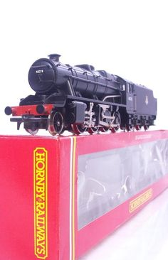 #HORNBY #OOGAUGE #MODELTRAINS R324 - BR BLACK 2-8-0 CLASS #8F #LOCOMOTIVE - ILLUMINATED FIRE