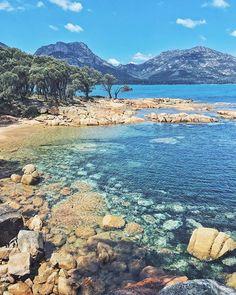 Coles Bay, Tasmania, Australia - R. Sample - Pin To Travel New Travel, Paris Travel, Travel Usa, Luxury Travel, Places To Travel, Places To See, Travel Destinations, Travel Pictures, Travel Photos