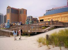 ATLANTIC CITY-CASINOS, GAMES & SHOWS. LADY LUCK .