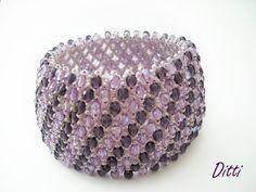 caprichos bracelet Seed Bead Bracelets, Seed Beads, Beaded Bracelet Patterns, Beaded Jewelry, All That Glitters, Bracelet Making, Jewerly, Creations, Crochet