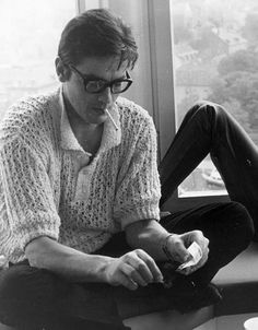 Alain Delon, Not many men could carry off a crocheted sweater. Classic Hollywood, Old Hollywood, Neo Rauch, Beautiful Men, Beautiful People, Mans World, Looks Cool, Rockabilly, Movie Stars