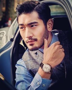 Asian men usually have thick and straight So some of the haircut looks good on the other hand, some not so flattering than the other. Today we want to show you the latest Asian men hairstyle trends… Asian Man Haircut, Asian Men Hairstyle, Asian Hair Men, Hairstyle Ideas, Godfrey Gao, Hot Asian Men, Handsome Asian Men, Handsome Man, Bearded Men