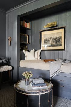 Home Decor Habitacion This Country House In Memphis Makes An Argument For Gothic Decor.Home Decor Habitacion This Country House In Memphis Makes An Argument For Gothic Decor Elle Decor, Alcove Bed, Bedroom Alcove, Teen Bedroom, Bedroom Ideas, Extra Bedroom, Bedroom Art, Cozy Bedroom, Built In Bed