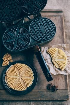 Nothing but Delicious: Classic Anise Pizzelle Yummy Treats, Sweet Treats, Yummy Food, Pizzelle Recipe, Pizzelle Maker, Waffle Iron, Cookie Recipes, Sweet Tooth, Cupcakes