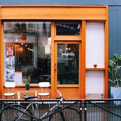 HOLYBELLY - Paris 10