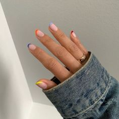 nail art designs 2019 simple nail art designs Manicures and pedicures aren't the only ways to pamper yourself and make sure you have both healthy and beautiful hands. Nail art Designs are more and more common and… Dream Nails, Love Nails, Pretty Nails, Fun Nails, Glitter Nails, Cute Simple Nails, Cute Short Nails, Easy Nails, Short Nails Art