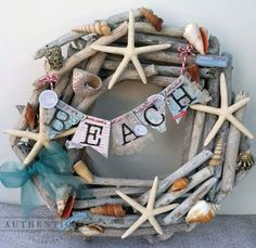 30 Sensible DIY Driftwood Decor Ideas That Will Transform Your Home homesthetics driftwood crafts Driftwood Wreath, Seashell Wreath, Driftwood Projects, Seashell Crafts, Driftwood Art, Coastal Wreath, Seashell Projects, Driftwood Ideas, Diy Projects