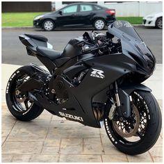 Suzuki Motos, Suzuki Bikes, Yamaha Motorcycles, Honda Sport Bikes, Sport Motorcycles, Custom Motorcycles, Motorcycle Gps, Futuristic Motorcycle, Suzuki Motorcycle