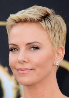 Short Hairstyles for Thin Fine Hair | Taglio Capelli Corti Donna 50 Anni