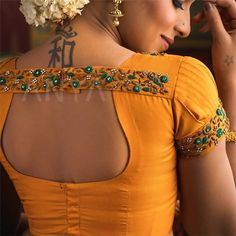 The beauty of a blouse is in its styling. That's when I stumbled upon these beautiful blouse back neck designs. check out the latest blouse designs. Saree Blouse Neck Designs, Simple Blouse Designs, Stylish Blouse Design, Bridal Blouse Designs, Simple Designs, Designer Blouse Patterns, Mua Makeup, Work Blouse, Beauty