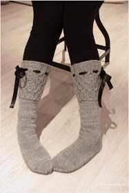 Home pine forest: Harmon with cables and manual Boots With Leg Warmers, Thigh High Leg Warmers, Crochet Socks, Knitting Socks, Knit Socks, Knitting Ideas, Home Outfit, Girly Things, Random Things