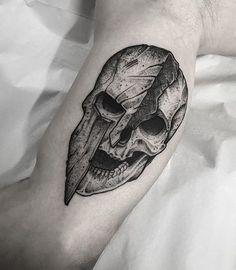 Skull Tattoo Flowers, Skull Tattoos, Forearm Tattoos, Black Tattoos, Body Art Tattoos, Sleeve Tattoos, Cool Tattoos, Sketch Tattoo Design, Skull Tattoo Design