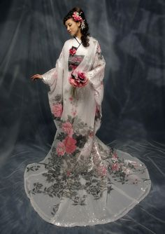beautiful, refined, elegant japanese dress, maybe weddingdress? possibly kimono Japanese Outfits, Japanese Fashion, Asian Fashion, Beautiful Gowns, Beautiful Outfits, Ethno Design, Kimono Dress, Kimono Style, Japanese Kimono