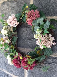 Cottage Hydrangea Wreath by TheColonialDoorstep on Etsy