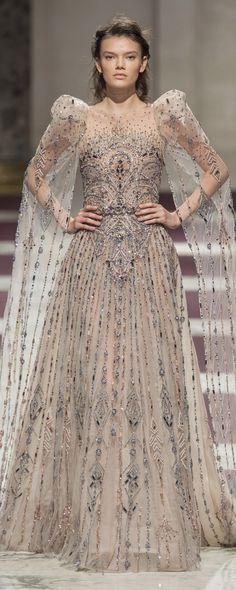Ziad Nakad Spring-summer 2019 - Couture - www. - ©ImaxTree - Julia Home Fairytale Gown, Fairytale Fashion, Vogue Fashion, Fashion Show, Fashion Outfits, Fashion Tips, Couture Dresses, Formal Gowns, The Dress