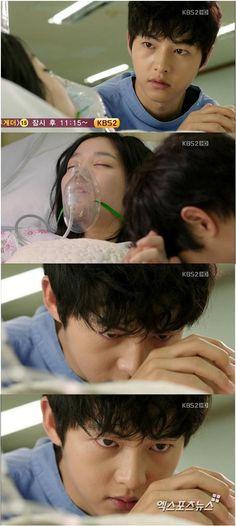 Song Joong Ki as Kang Ma Ru [14] with Lee Yoo Bi. What a stare!